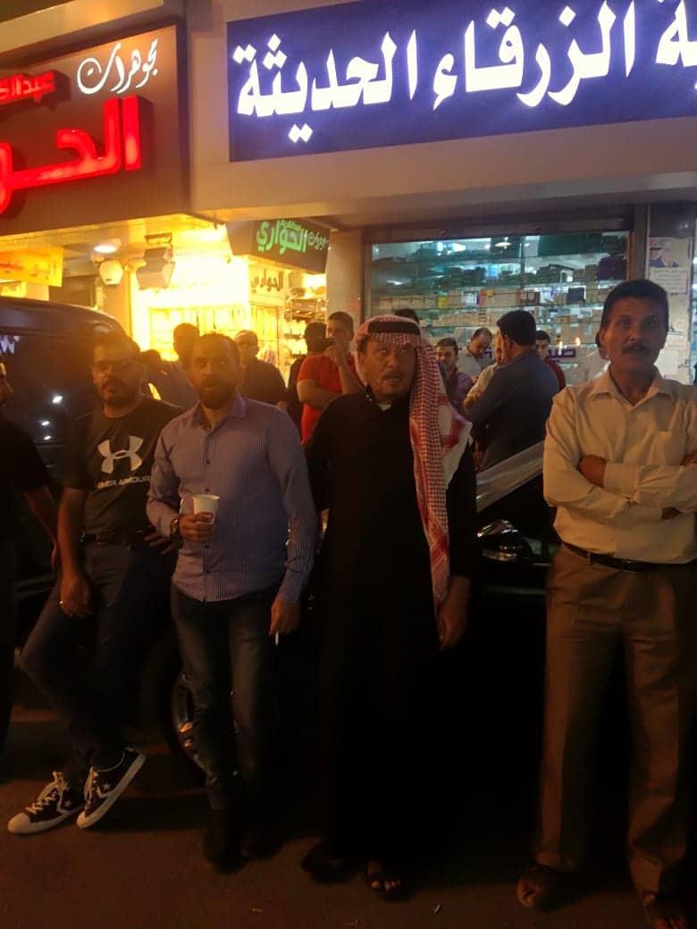 الزرقاء: اعتصام ليلي للافراج عن المعتقلين.. واشادة بانتزاع المعلمين حقوقهم - صور