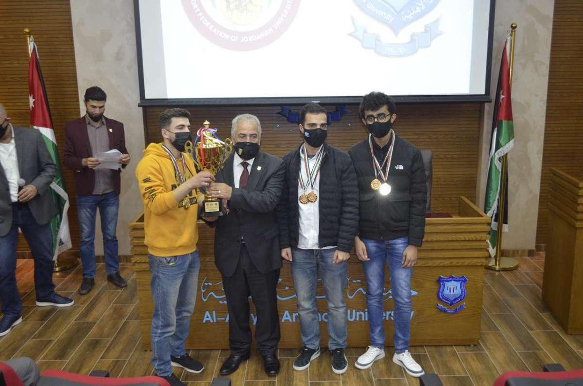 الجامعة الأردنية تُتوَّج في عمان الاهلية بكأس بطولة ميلاد القائد للشطرنج لطلبة الجامعات
