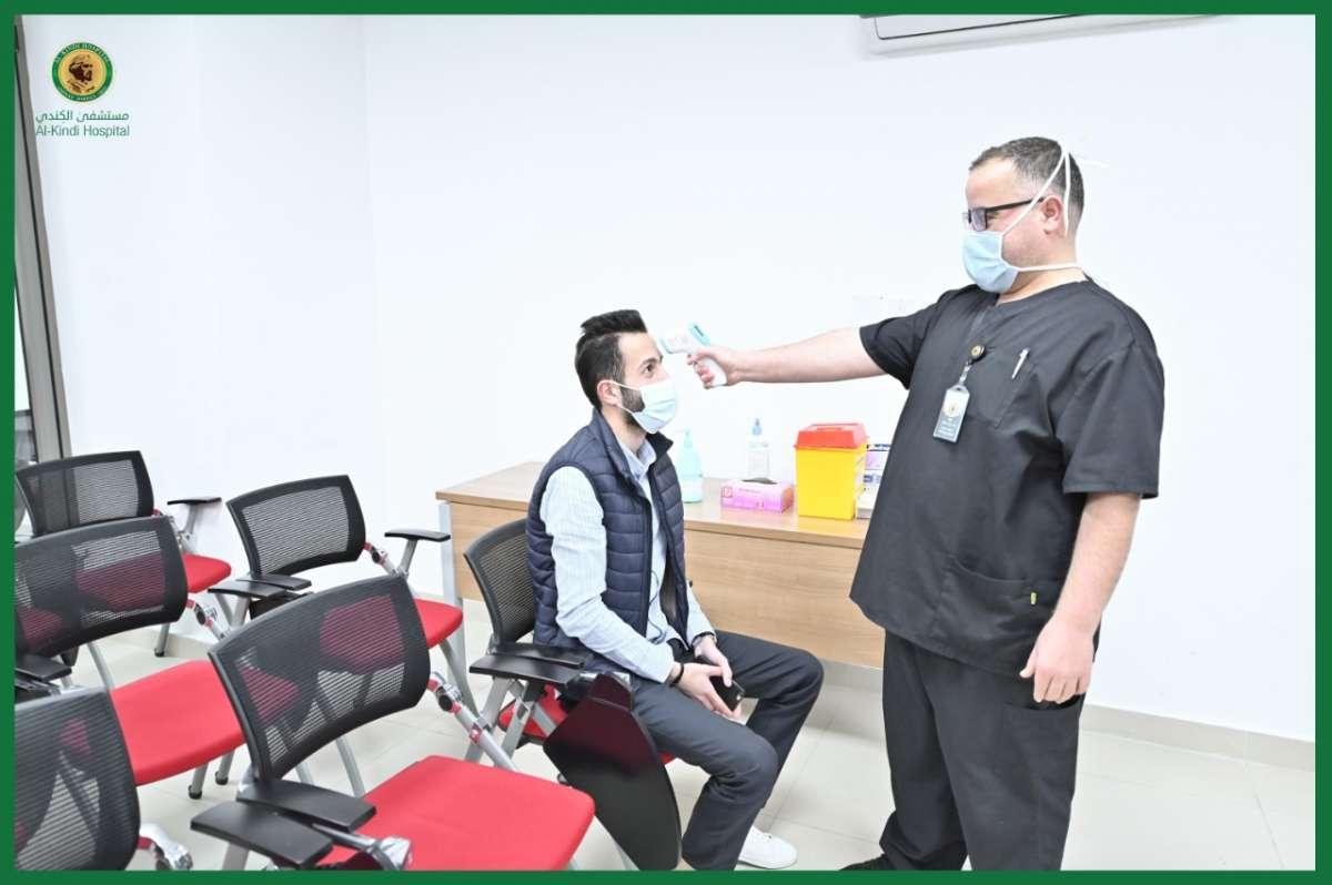 مستشفى الكندي يفتتح مركزًا للتطعيم بالتعاون مع إدارة الأزمات