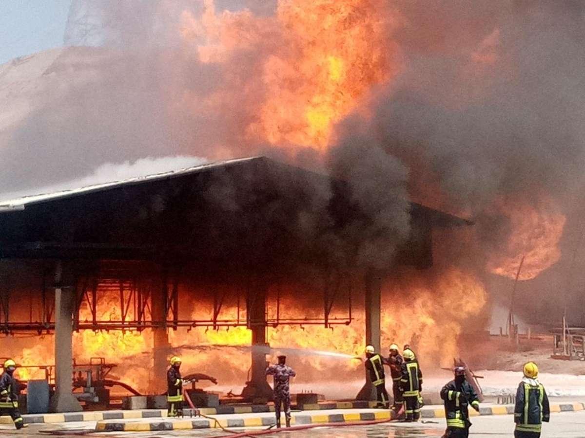 الامن: اخماد حريق خطوط نفط في العقبة - صور