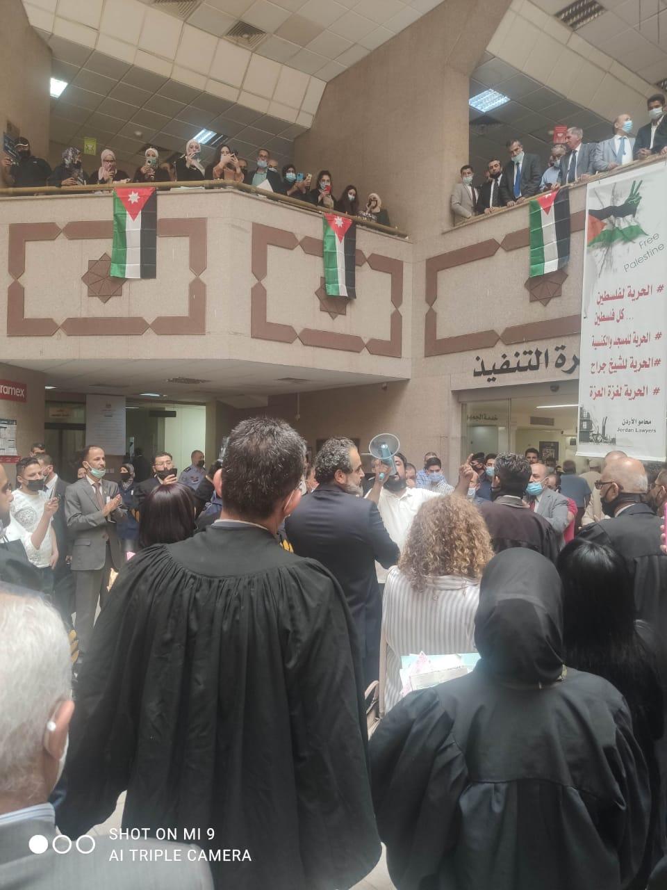 محامون يعتصمون في قصر العدل تنديدا بجرائم الاحتلال.. وارشيدات: الاجيال لا تنسى - صور