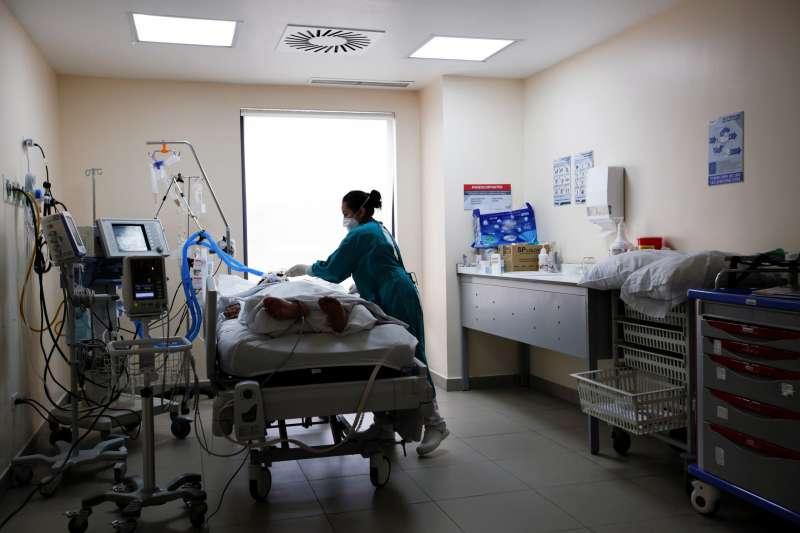 وباء كورونا يحصد أرواح أكثر من 4.5 مليون شخص حول العالم
